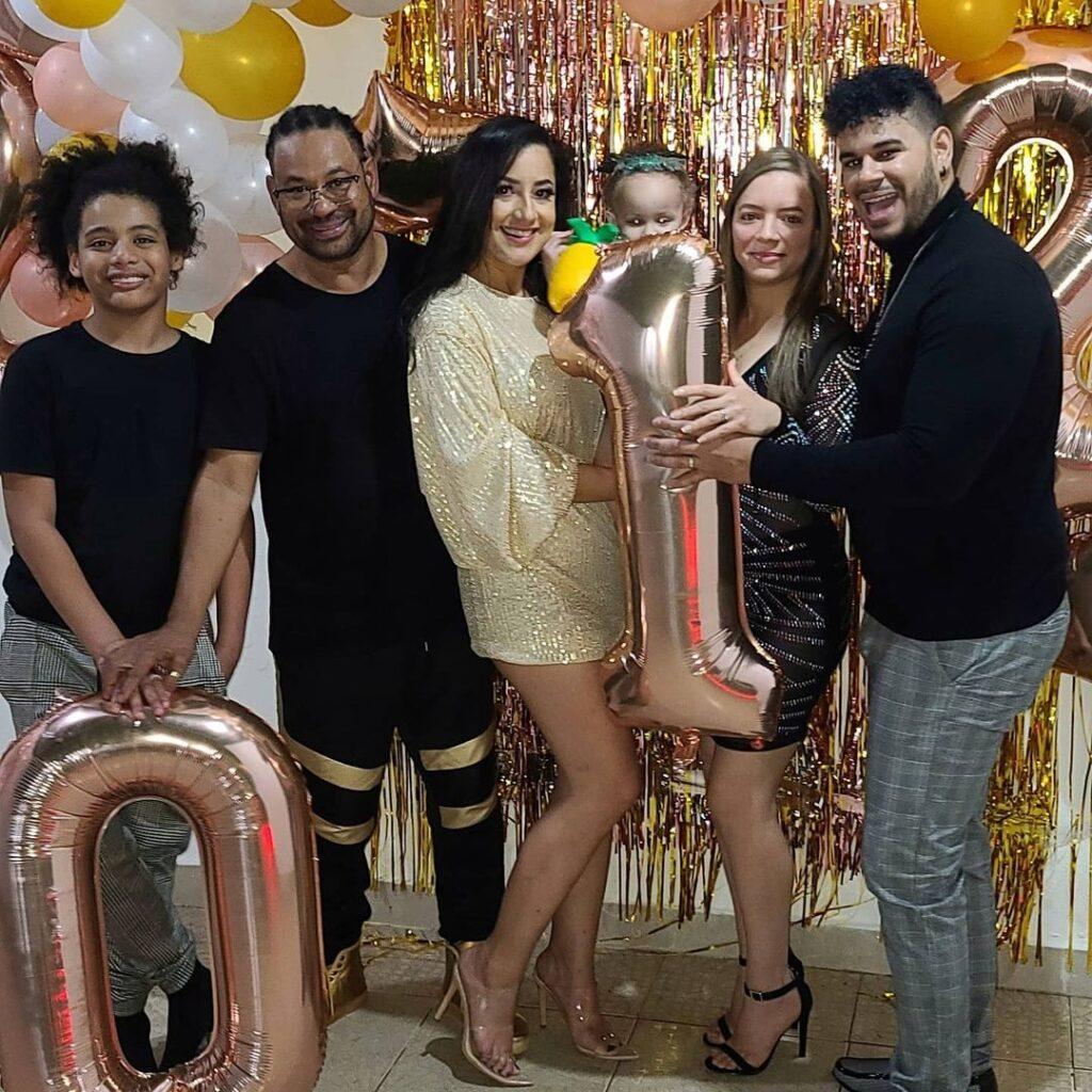 Luis Vargas celebra Año Nuevo 2021 junto a Luisito y parte de sus familiares