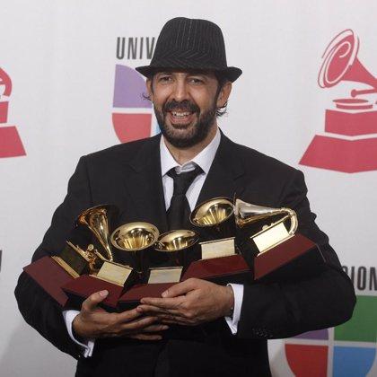 Juan Luis Guerra los 5 premios que ganó en los Latin Grammy 2007